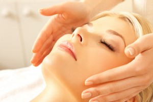 Antifatigue-massages-Shiatsu-pour-le-contour-des-yeux